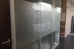 Film effet sablé pour surfaces vitrées