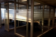Photo 088film sablé pour cloisons de bureaux 2