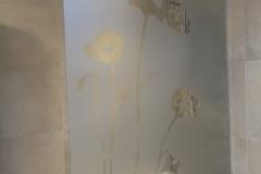 Paroi de douche sablée avec motif fleurs